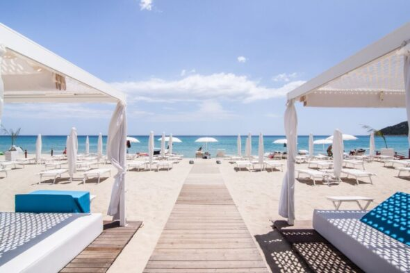 Is Fradis Beach Club auf Sardinien